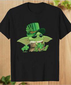 Baby Yoda Leprechauns hug Shamrock Peace T-Shirt PU27